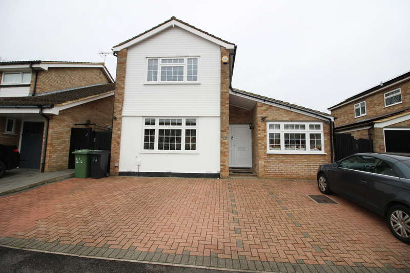 4 Bedrooms Property for sale in Badgers Copse