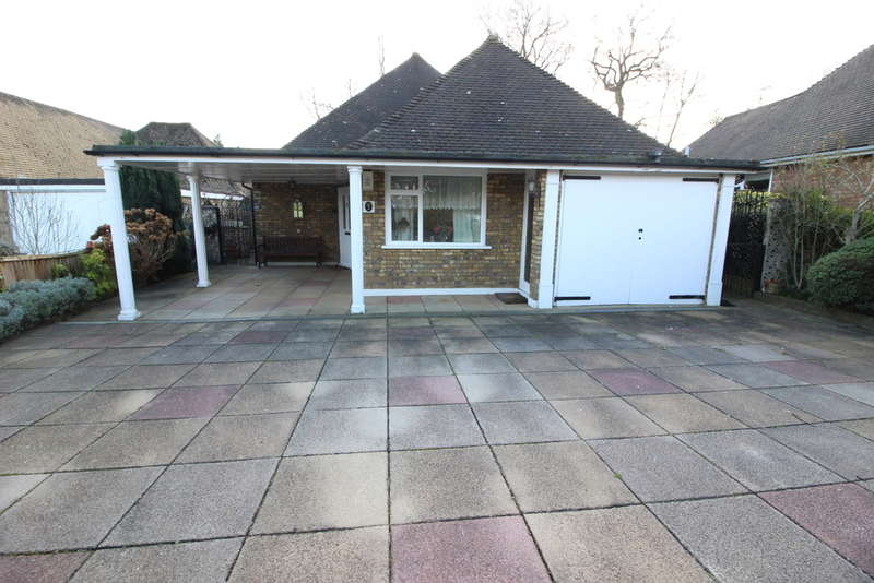 3 Bedrooms Detached Bungalow for sale in Shadbolt Close