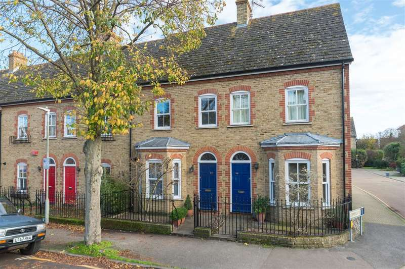 3 Bedrooms Terraced House for sale in Roper Road, Canterbury