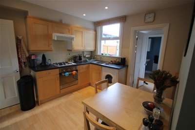 2 Bedrooms Cottage House for rent in New Road, Orpington, BR6