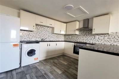 2 Bedrooms Flat for rent in Crown House Apartments, Cannock Town Centre