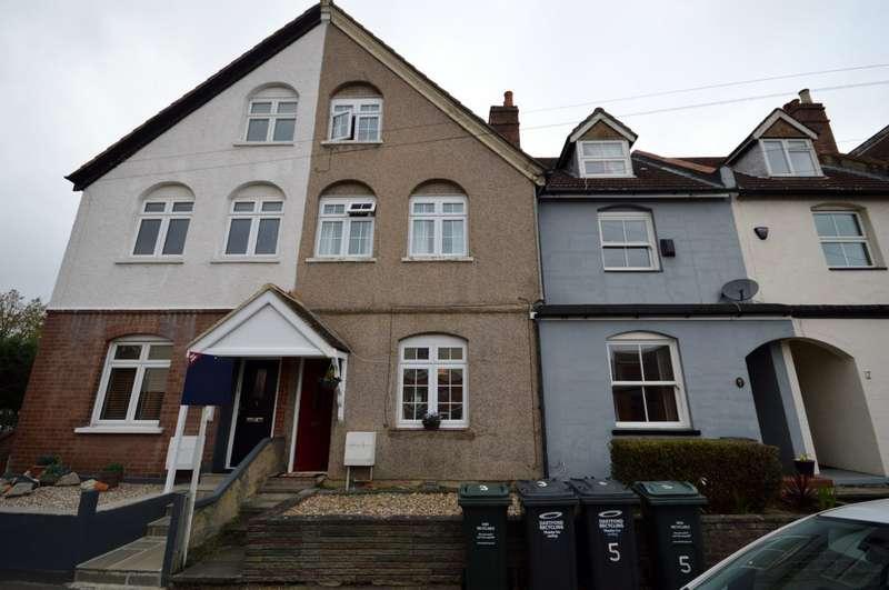 3 Bedrooms House for sale in Baldwyns Road, Joydens Wood, Kent, DA5