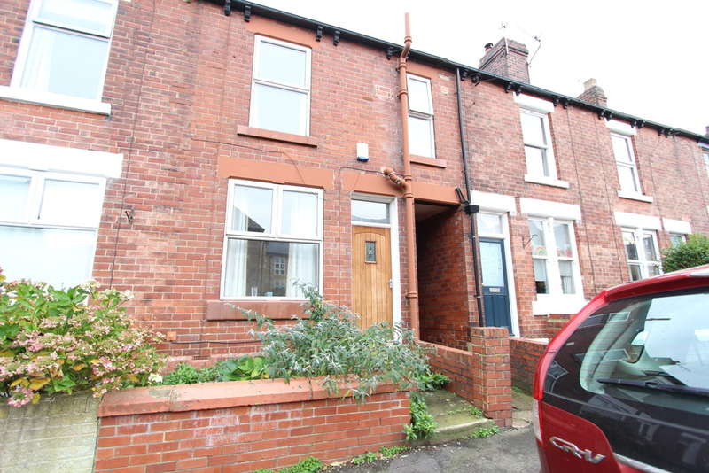 3 Bedrooms Terraced House for rent in Tullibardine Road