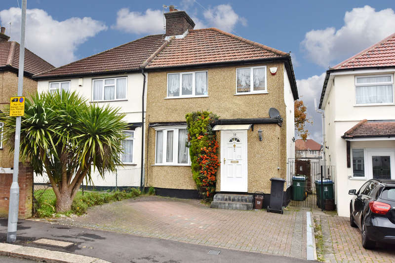 3 Bedrooms Semi Detached House for sale in Oakdene Road, Watford