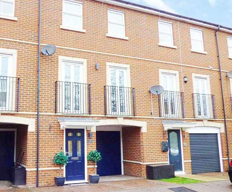 4 Bedrooms Terraced House for sale in Downland Walk, Walderslade, Kent