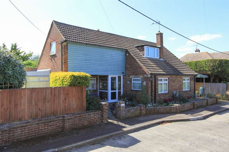 5 Bedrooms Detached House for sale in Cundishall Close, Whitstable