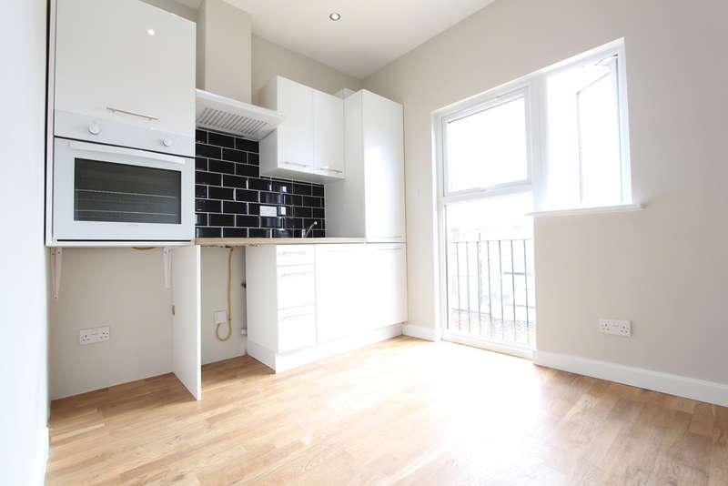 Flat for rent in Eltham High Street Eltham SE9