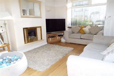 3 Bedrooms House for rent in Alton Ave, L21