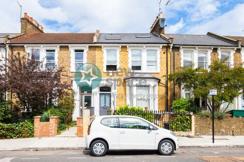 2 Bedrooms Flat for rent in Brooke Road, Stoke Newington, E5