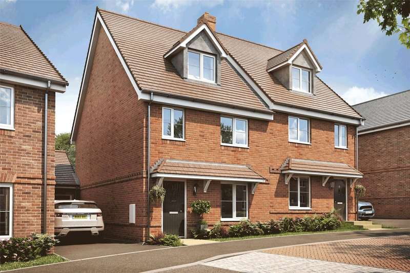 4 Bedrooms Semi Detached House for sale in Oak Park, Longmoor Road, Liphook, Hampshire, GU30