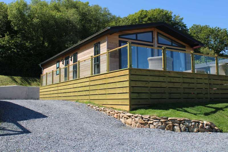 2 Bedrooms Lodge Character Property for sale in Nr Modbury