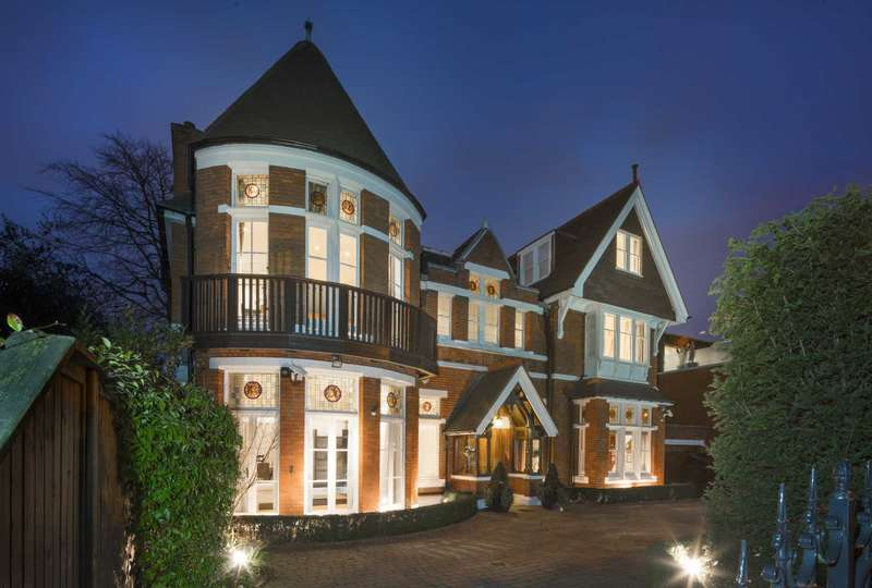 6 Bedrooms House for sale in Elm Walk, Hampstead NW3