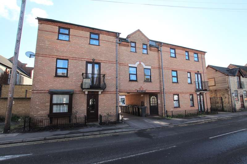 2 Bedrooms Apartment Flat for sale in Regency Lodge, Church Street, Biggleswade, SG18