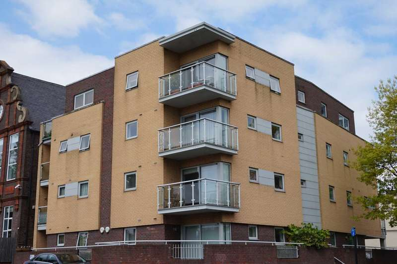 1 Bedroom Apartment Flat for rent in Heath Park House, Cotterells