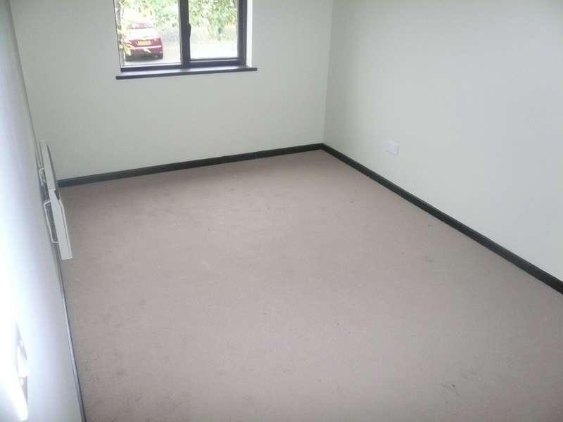 2 Bedrooms Flat for rent in Guinevere Gardens, Cheshunt, EN8