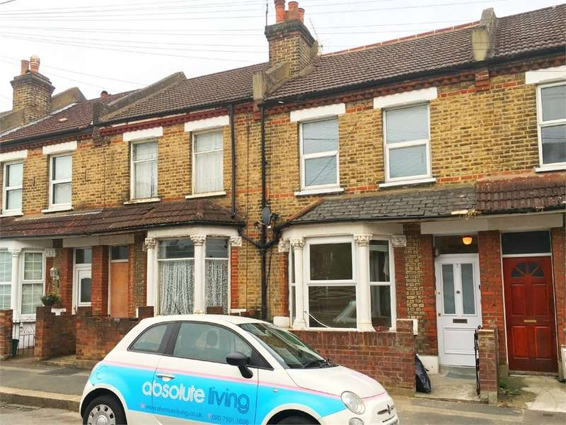2 Bedrooms Flat for rent in Rosebery Avenue, Thornton Heath, CR7