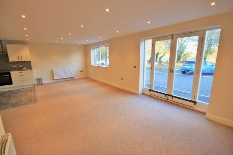 2 Bedrooms Apartment Flat for rent in Holland Hall Mews, Lafford Lane, Upholland, West Lancashire, WN8 0QZ