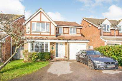 4 Bedrooms Detached House for sale in Horndean, Waterlooville, Hampshire