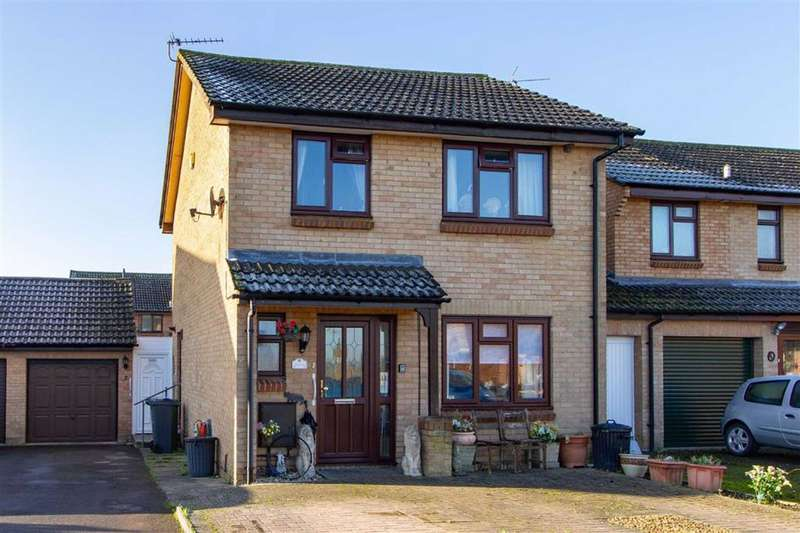 3 Bedrooms Detached House for sale in Beyon Close, Cam, GL11