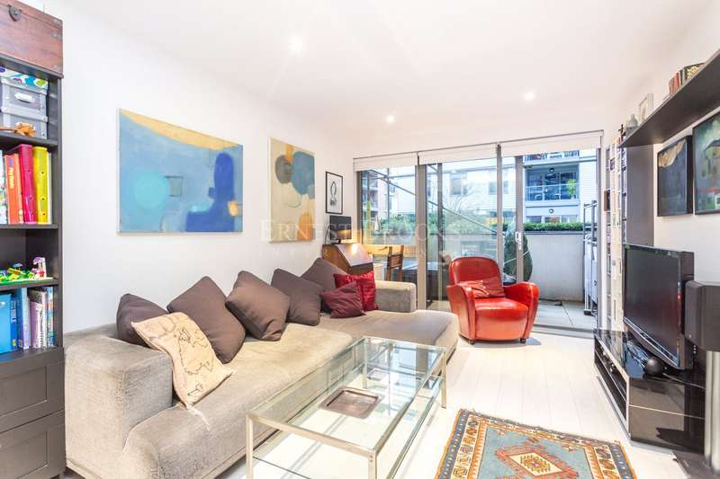 3 Bedrooms Apartment Flat for sale in Kerensky House, 53 Upper North Street, Poplar, E14
