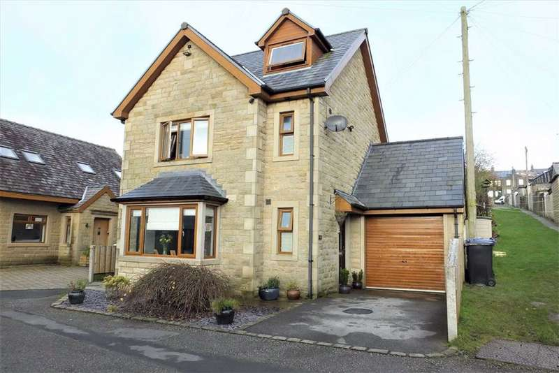 3 Bedrooms Detached House for sale in Clarence Street, Colne, Lancashire, BB8