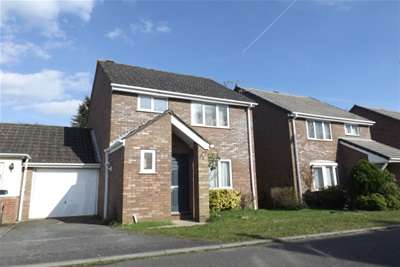 3 Bedrooms Link Detached House for rent in Norbury Close, Chandlers Ford