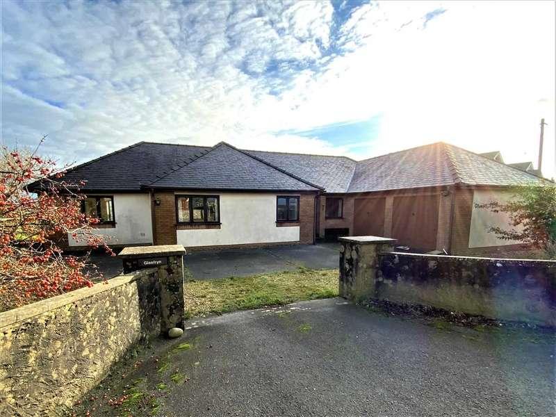 4 Bedrooms Detached Bungalow for sale in Glasfryn, Rhosmeirch, Llangefni