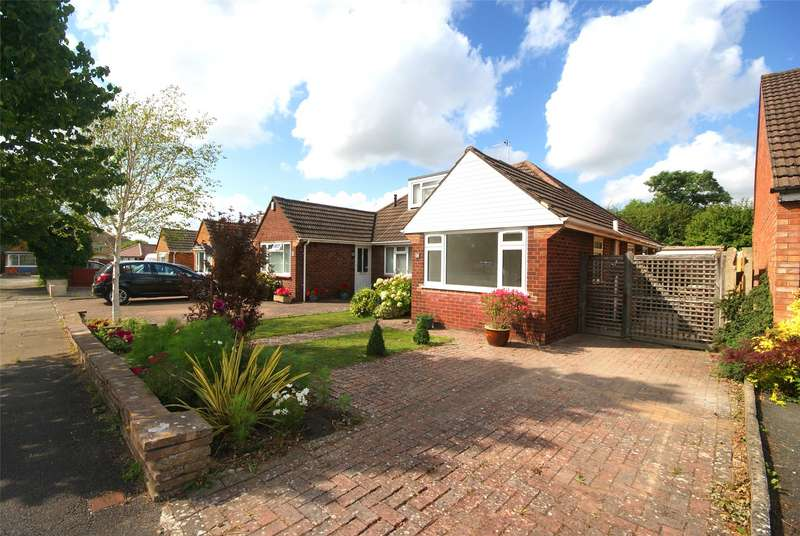 2 Bedrooms Semi Detached Bungalow for sale in Turkdean Road, Cheltenham, Gloucestershire, GL51