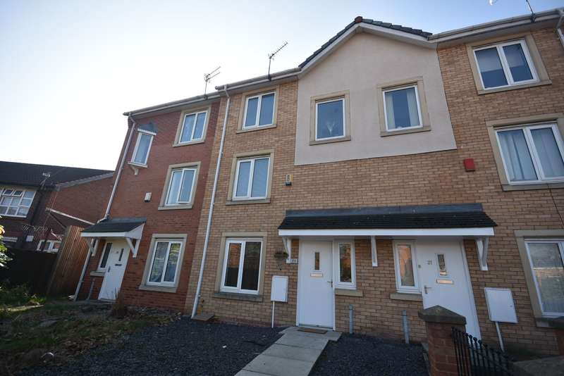 4 Bedrooms Terraced House for rent in Sadler Court, Hulme, Manchester, M15 5RP.