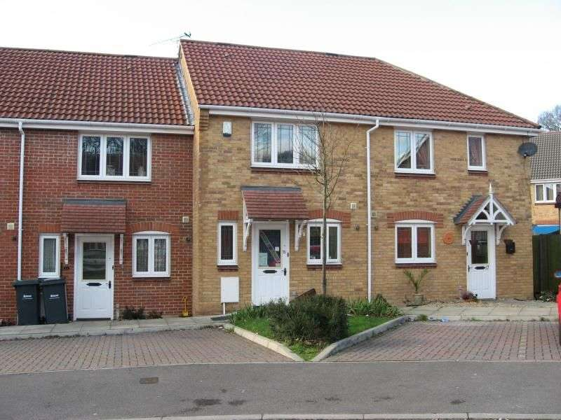 2 Bedrooms Semi Detached House for rent in Merlin Close, Waterlooville, PO8