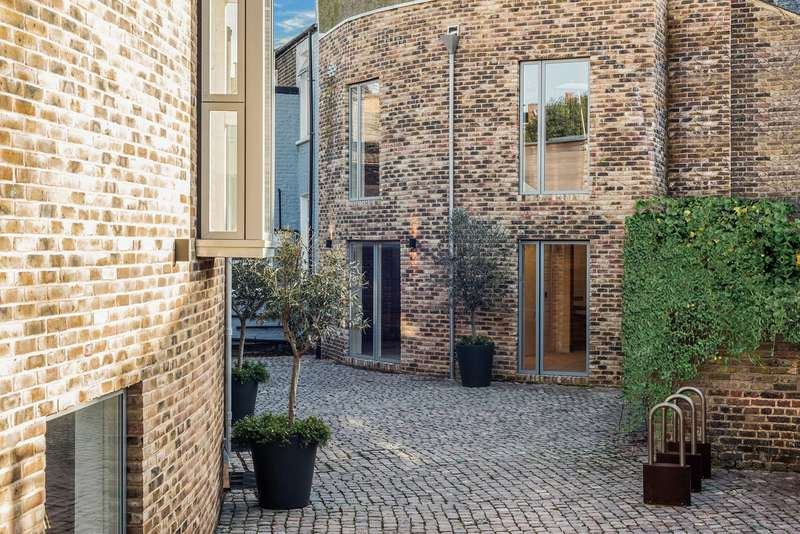2 Bedrooms Mews House for sale in Lycett Place , Shepherds Bush , London , W12