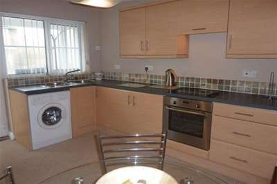 2 Bedrooms Maisonette Flat for rent in Craigshill Court, Woodside Drive, Arnold NG5