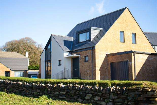 3 Bedrooms Detached Bungalow for sale in South Hill Road, Callington, Cornwall