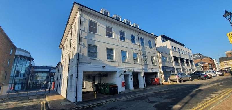2 Bedrooms Flat for rent in Calgarth House, Bank Street