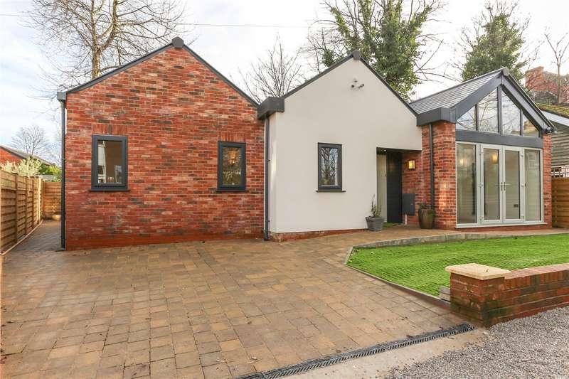 3 Bedrooms Detached Bungalow for sale in Park Grove, Heaton Moor, Stockport, SK4