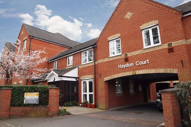 2 Bedrooms Property for sale in Haydon Court, Reading, RG10 9EP