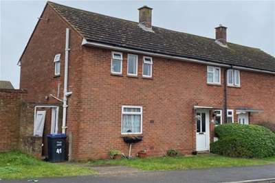 3 Bedrooms Property for rent in Beaulieu Road, Amesbury SP4