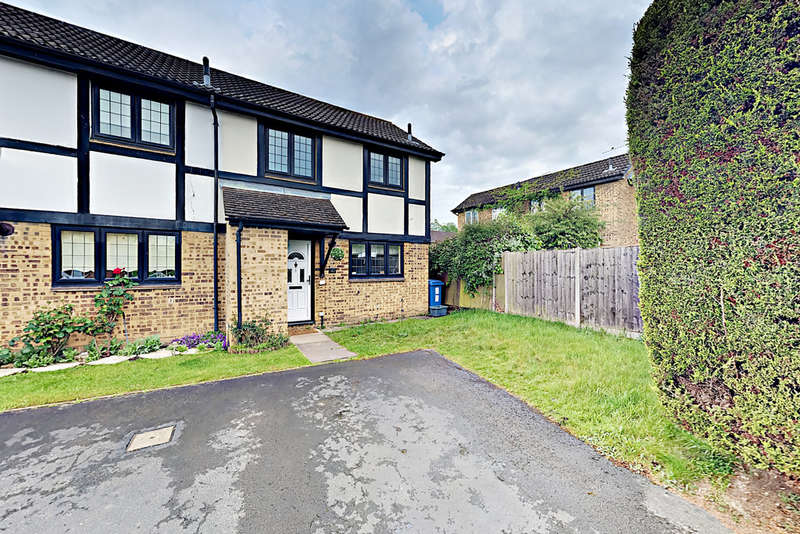 2 Bedrooms End Of Terrace House for rent in Morley Close, Yateley