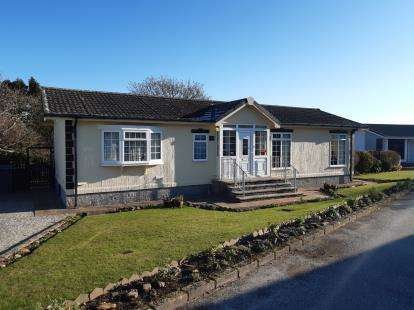 2 Bedrooms Bungalow for sale in Mountlea Country Park, Par, St. Austell