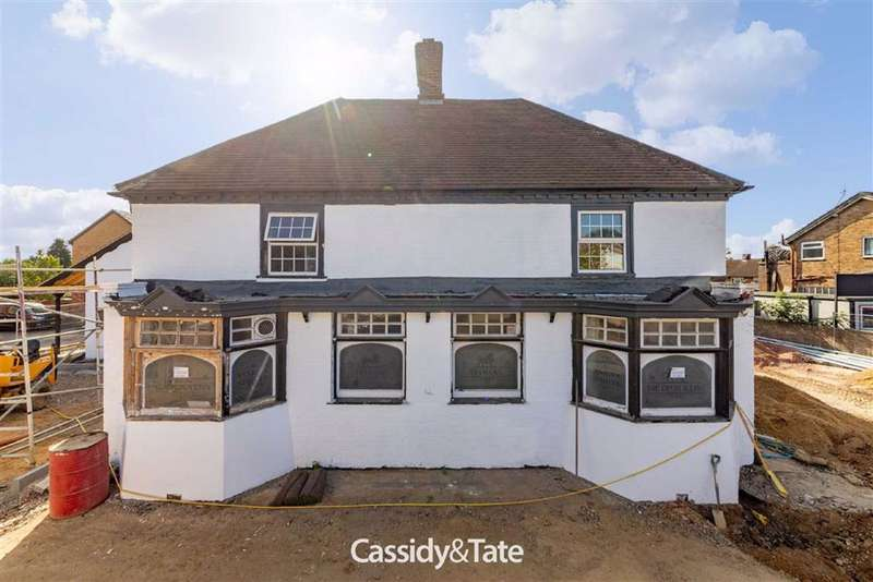 Detached House for rent in High Street, St. Albans, Hertfordshire