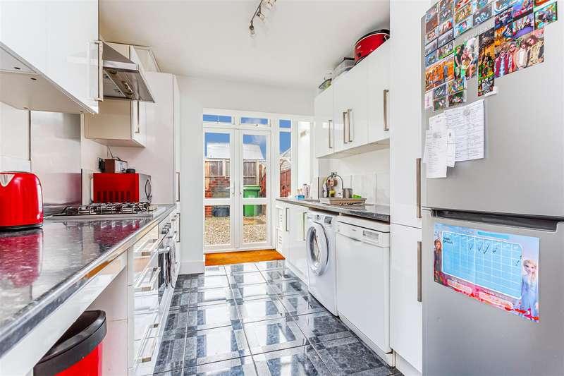 2 Bedrooms Apartment Flat for rent in Garratts Lane
