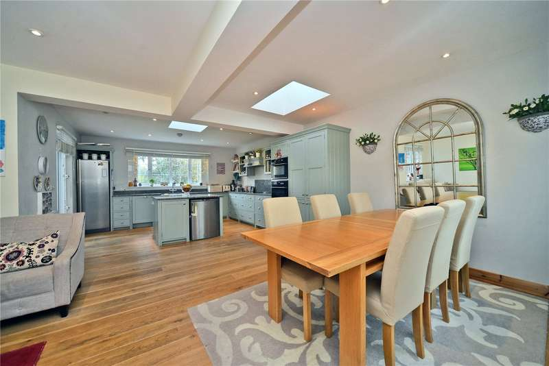 4 Bedrooms Detached House for sale in Tudor Close, Cheam, Sutton, Surrey, SM3