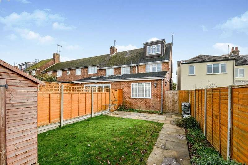2 Bedrooms Semi Detached House for rent in Hobbs Hill Road, Hemel Hempstead, HP3
