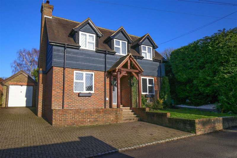 3 Bedrooms Detached House for sale in Crouch, Kent