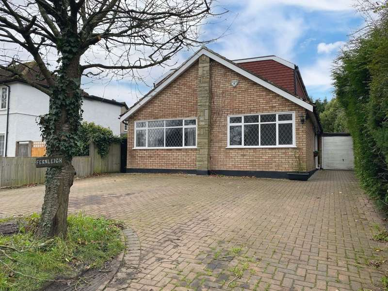 5 Bedrooms Detached House for rent in Clamp Hill, Stanmore