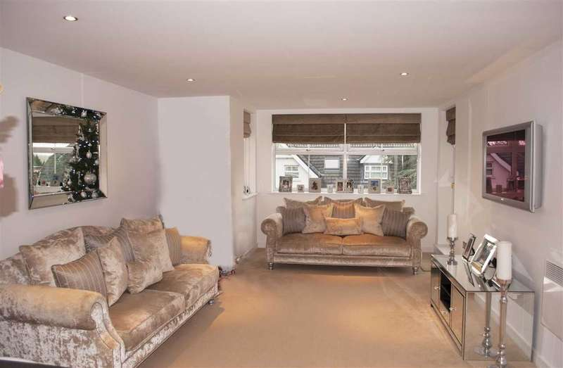 2 Bedrooms Apartment Flat for rent in Shore Point, 46 High Road, Buckhurst Hill