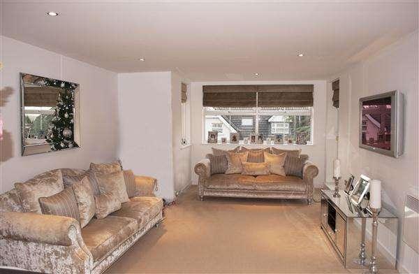 Property for rent in Shore Point, Buckhurst Hill, Buckhurst Hill, Essex, IG9 5JE