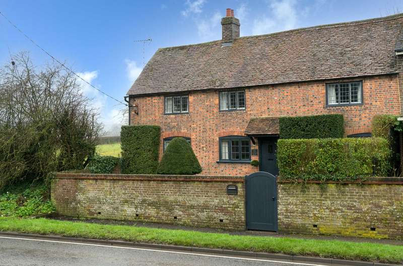 3 Bedrooms Cottage House for sale in GRADE Il LISTED IN BEAUTIFUL ORDER & IN POPULAR VILLAGE LOCATION