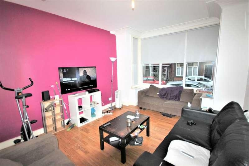 8 Bedrooms Terraced House for rent in Winston Gardens, Headingley, Leeds, LS6