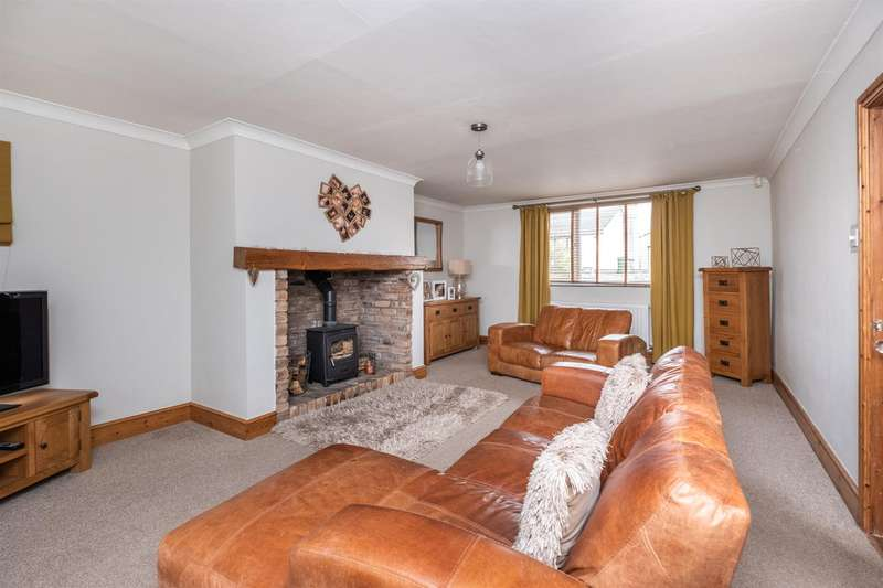 3 Bedrooms End Of Terrace House for sale in Low Seaton, Seaton, Workington